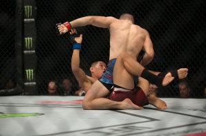 Jake Matthews vs. Li Jingliang